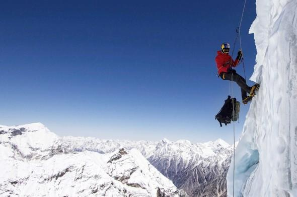 Video: Base jumper sets new world record with Himalayas leap