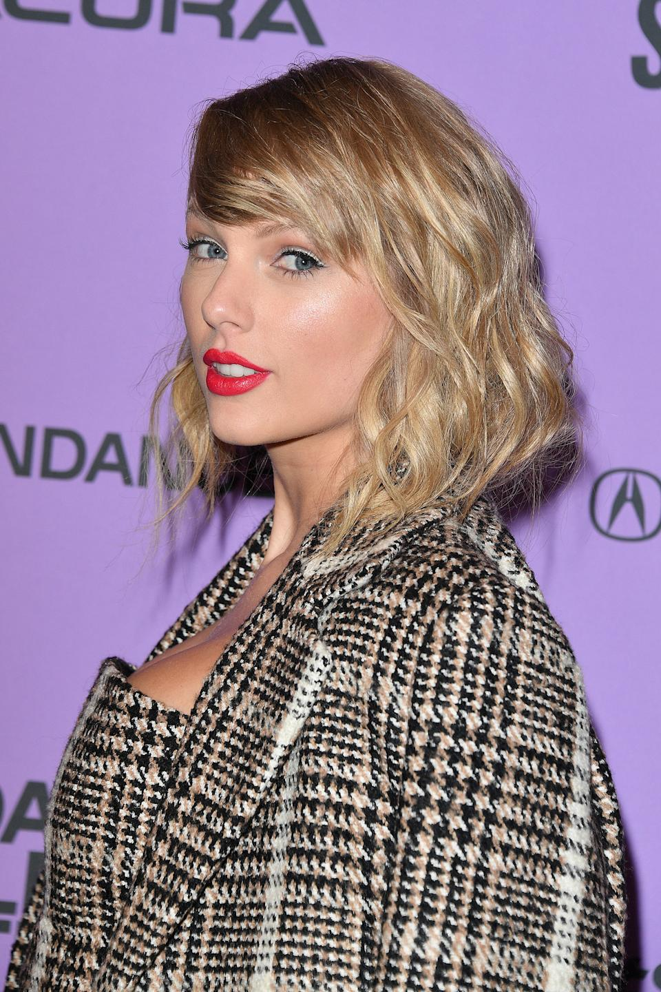Taylor Swift is encouraging fans to avoid gathering in groups during the COVID-19 pandemic. (Photo by George Pimentel/Getty Images)