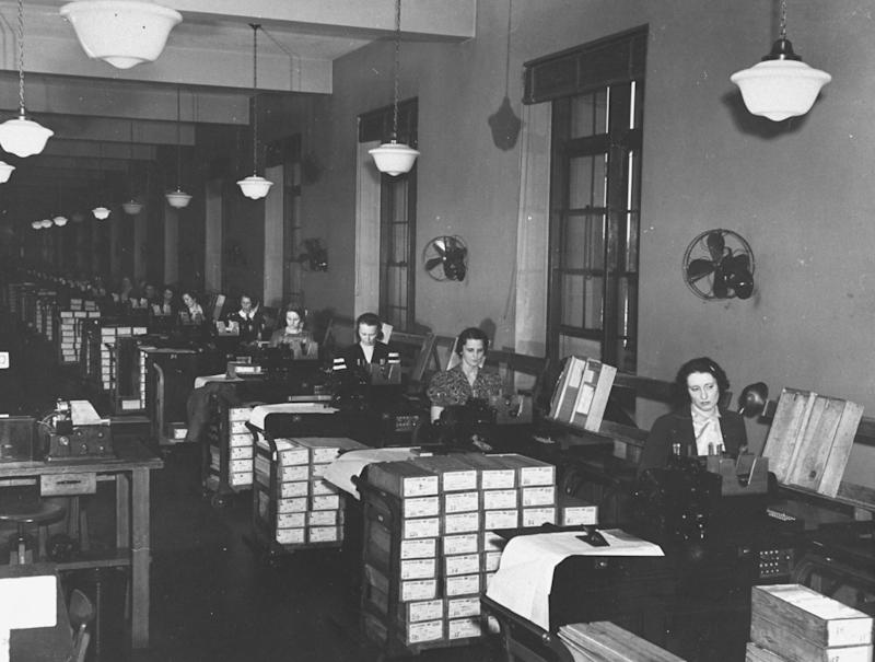How Controversy Over the Census and Immigration Caused a Crisis 100 Years Ago