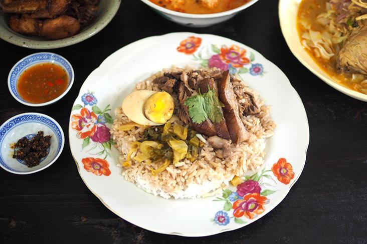 The highlight of Talad Noi Thai Food Market is their braised pork rice with fork-tender meat and a lovely gelatinous skin — Pictures by Lee Khang Yi