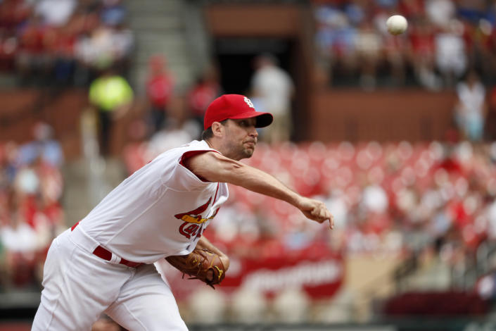 St. Louis Cardinals starting pitcher Adam Wainwright throws during the fourth inning of a baseball game against the San Francisco Giants, Monday, Sept. 2, 2019, in St. Louis. (AP Photo/Jeff Roberson)