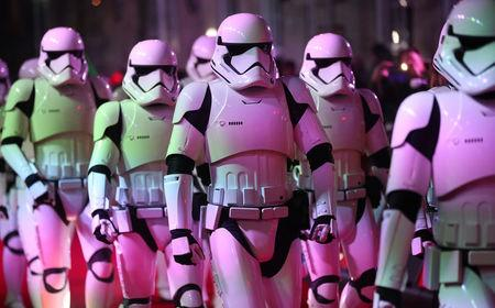 Actors dressed as storm troopers arrive for the European Premiere of 'Star Wars: The Last Jedi', at the Royal Albert Hall in central London, Britain December 12, 2017. REUTERS/Hannah McKay
