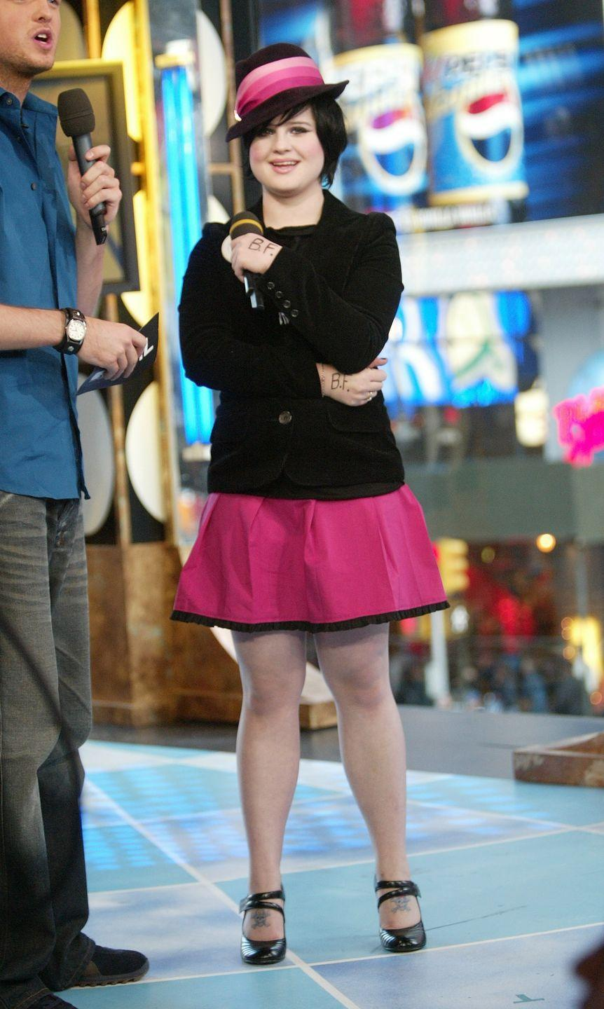 <p>Not enough people match their skirts to their fedoras these days. </p>