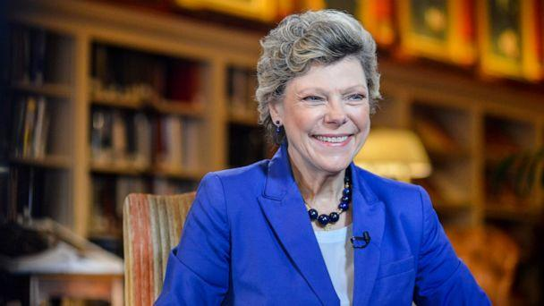 PHOTO: Cokie Roberts conducts an interview at the University Club in Washington, Oct. 29, 2015. (Samantha Sergi/ABC News)
