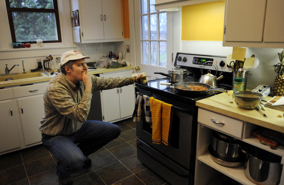 Gas is needed to use the stove (Photo by Melina Mara/ The Washington Post via Getty Images)