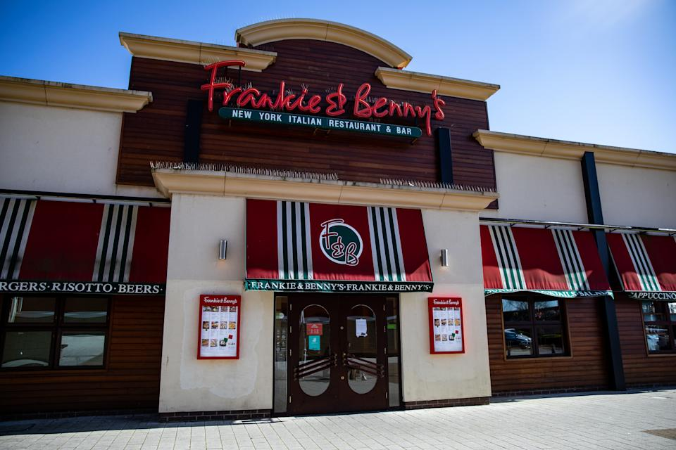 A notice that Frankie & Benny's has closed during the covid-19 pandemic with government advice to closed all social gatherings such as restaurant must close until further notice