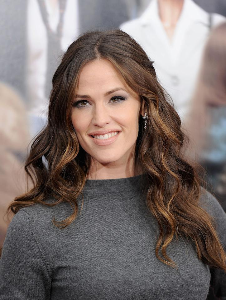 "<a href=""http://movies.yahoo.com/movie/contributor/1800338890"">Jennifer Garner</a> attends the New York City premiere of <a href=""http://movies.yahoo.com/movie/1810167411/info"">Arthur</a> on April 5, 2011."