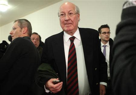 Former Telekom Austria chief executive Heinz Sundt arrives at court in Vienna January 9, 2014. REUTERS/Heinz-Peter Bader