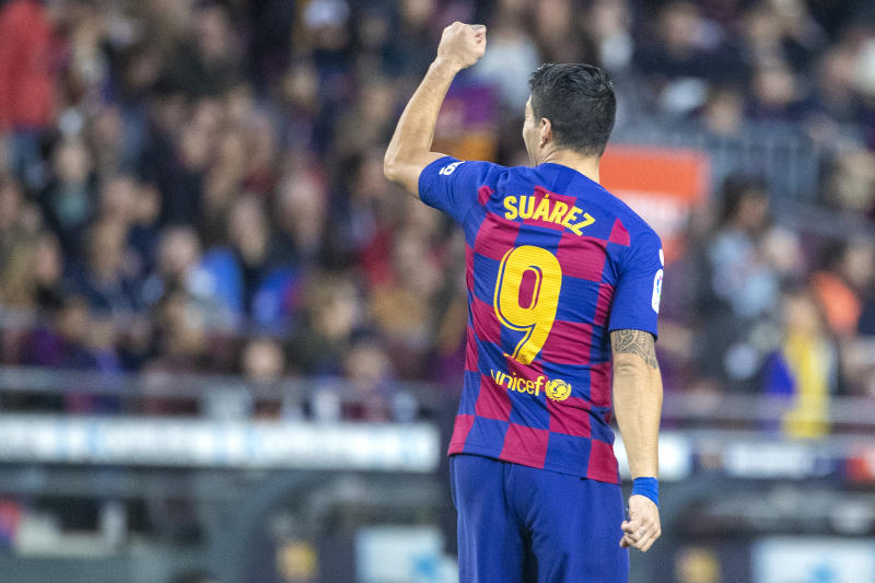 BARCELONA, SPAIN - December 21: Luis Suarez #9 of Barcelona reacts to the stands after scoring from the penalty spot during the Barcelona V Alaves, La Liga regular season match at Estadio Camp Nou on December 21st 2019 in Barcelona, Spain. (Photo by Tim Clayton/Corbis via Getty Images)