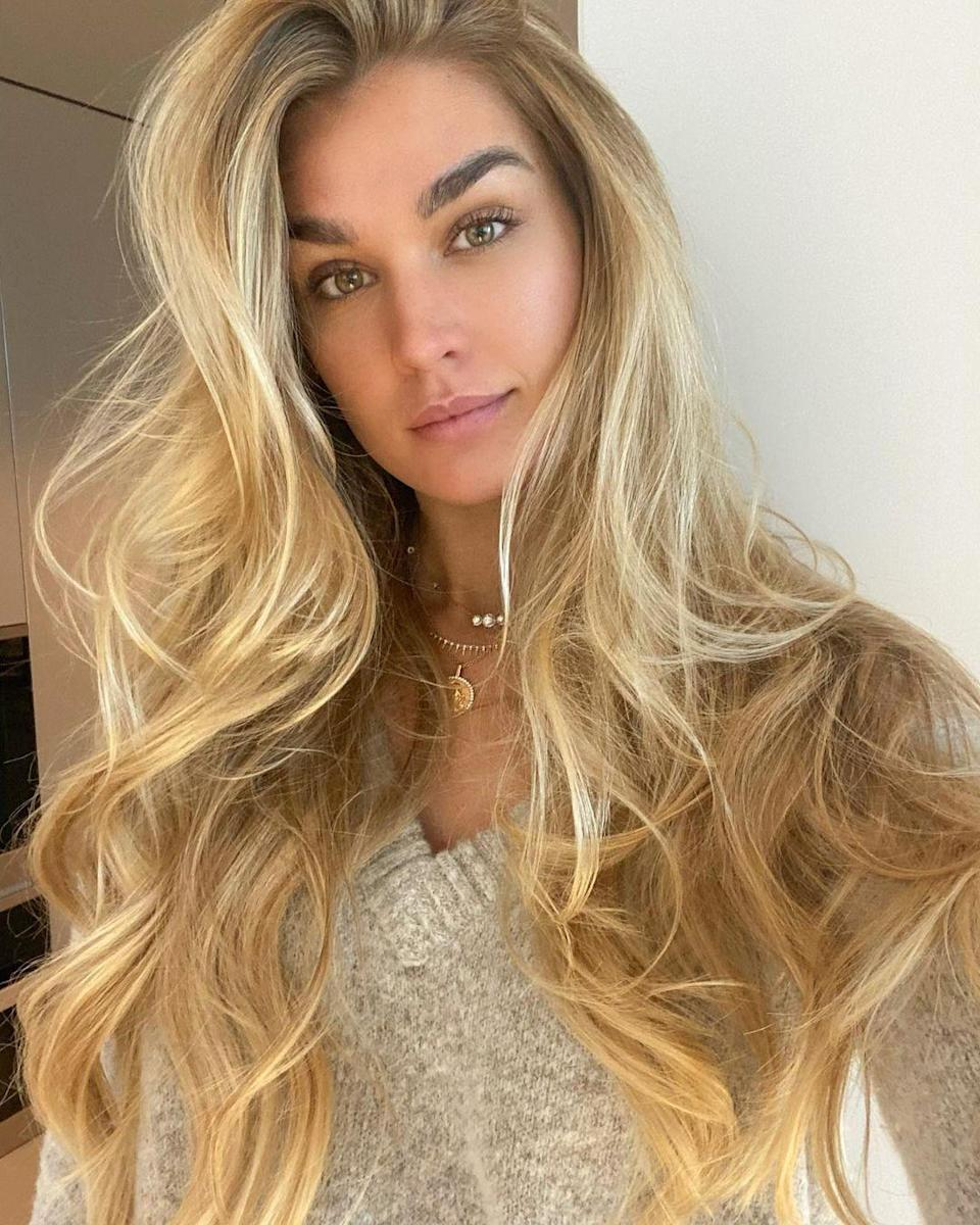 """For blondes this season, it's all about more natural, lived-in color. """"Blondes are opting for more casual, shade on shade dimension,"""" says <a href=""""https://www.instagram.com/markcolorist/"""" rel=""""nofollow noopener"""" target=""""_blank"""" data-ylk=""""slk:Mark DeBolt"""" class=""""link rapid-noclick-resp"""">Mark DeBolt</a>, co-owner and master stylist at New York's <a href=""""https://www.markryansalon.com/"""" rel=""""nofollow noopener"""" target=""""_blank"""" data-ylk=""""slk:Mark Ryan Salon"""" class=""""link rapid-noclick-resp"""">Mark Ryan Salon</a>. """"We're creating blondes that have shadowed highlights closer to the root with light ends. This season we achieve this by adding darker pieces directly beneath the lighter strands. This creates contrast and movement throughout the hair and will add depth closer to the root."""""""