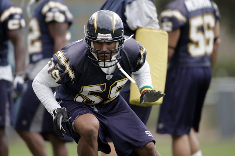 San Diego Chargers practice June 11, 2006 at their training facility. #59 linebacker Donnie Edwards in drill.