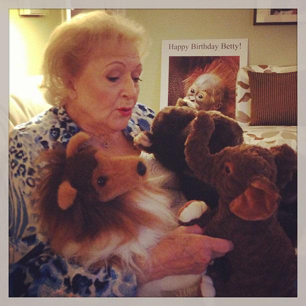 Betty White Yahoo! TV Instagram: After a few weeks off its nice to see my friends Mctavish, Gheta and Bubbles. -Betty #bettywhite #hotlive #hotincleveland #setvisit #tvland #puppies
