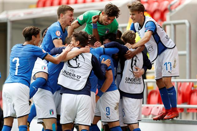 Soccer Football - UEFA European Under-17 Championship Semi-Final - Italy vs Belgium - AESSEAL New York Stadium, Rotherham, Britain - May 17, 2018 Italy's Edoardo Vergani celebrates scoring their second goal with team mates Action Images via Reuters/Ed Sykes