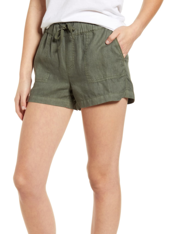 Caslon Linen Shorts in Green Beetle