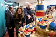 <p>While visiting the Khidmat Community Centre, the Duke and Duchess of Cambridge inspected various colorful cakes and cupcakes.</p>