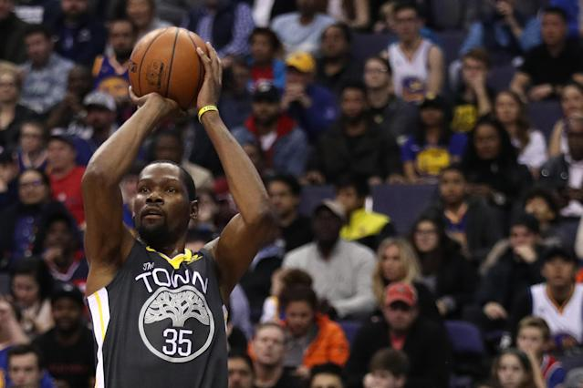 Kevin Durant said on Tuesday that he plans to return from a rib injury to play the Milwaukee Bucks on Thursday. (Getty)