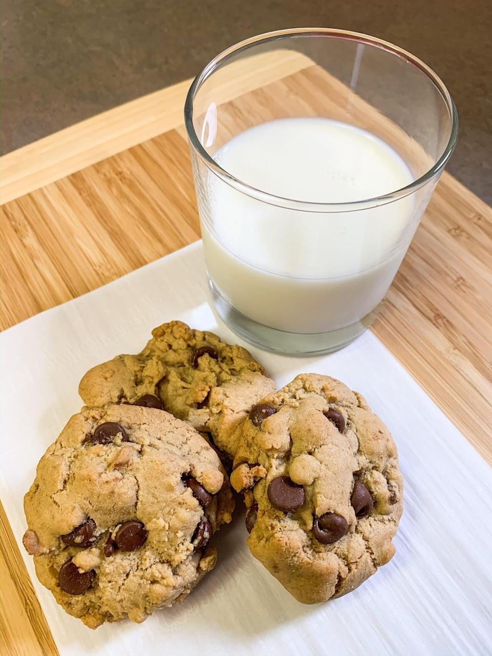"<p>Chocolate chip cookies are a classic baking staple, an iconic comfort food, and timeless in every way. This recipe is in Joanna Gaines's <a href=""https://www.amazon.com/Magnolia-Table-Collection-Recipes-Gathering/dp/0062820184"" class=""link rapid-noclick-resp"" rel=""nofollow noopener"" target=""_blank"" data-ylk=""slk:Magnolia Table, Volume 2""><strong>Magnolia Table, Volume 2</strong></a> cookbook, and only takes 30 minutes to make, so you're just a short time away from enjoying warm, chocolatey bliss.</p> <p><strong>Get the recipe</strong>: <a href=""https://www.popsugar.com/food/joanna-gaines-chocolate-chip-cookie-recipe-47379769"" class=""link rapid-noclick-resp"" rel=""nofollow noopener"" target=""_blank"" data-ylk=""slk:Joanna Gaines's chocolate chip cookies"">Joanna Gaines's chocolate chip cookies</a></p>"