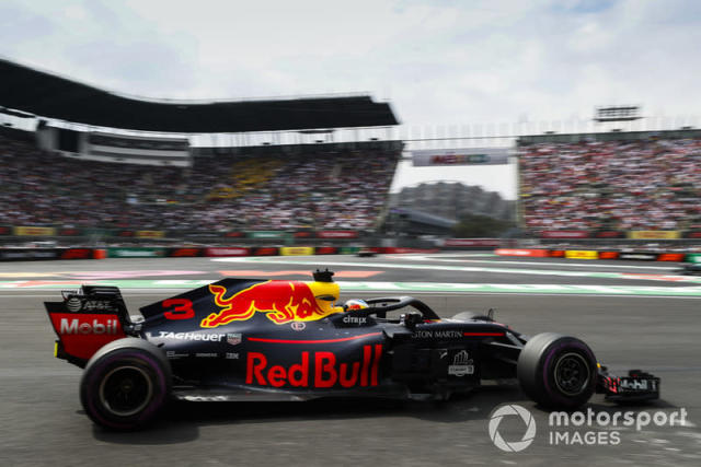 """2018 : Red Bull RB14, à moteur TAG-Heuer (Renault) <span class=""""copyright"""">Steven Tee / Motorsport Images</span>"""
