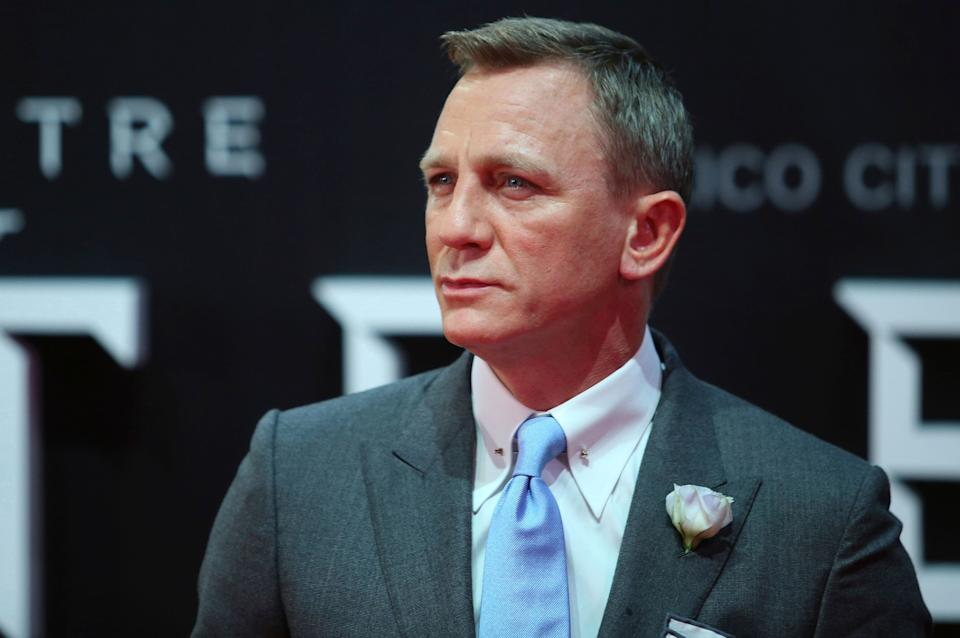 MEXICO CITY, MEXICO - NOVEMBER 02: Daniel Craig looks on during the red carpet of the 'Spectre' film Premiere at Auditorio Nacional on November 02, 2015 in Mexico City, Mexico. (Photo by Hector Vivas/LatinContent/Getty Images)