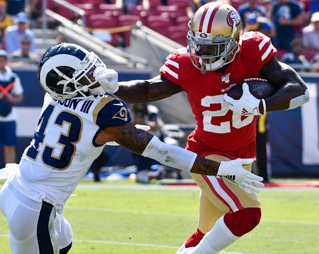 The 49ers put on a clinic on both sides of the ball to beat the Rams and remain unbeaten. (Reuters)