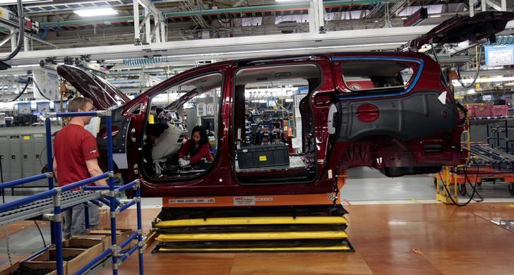 FILE PHOTO - The frame of the all-new 2017 Chrysler Pacifica minivan rolls down the assembly line at the FCA Windsor Assembly plant in Windsor, Ontario, May 6, 2016. REUTERS/Rebecca Cook