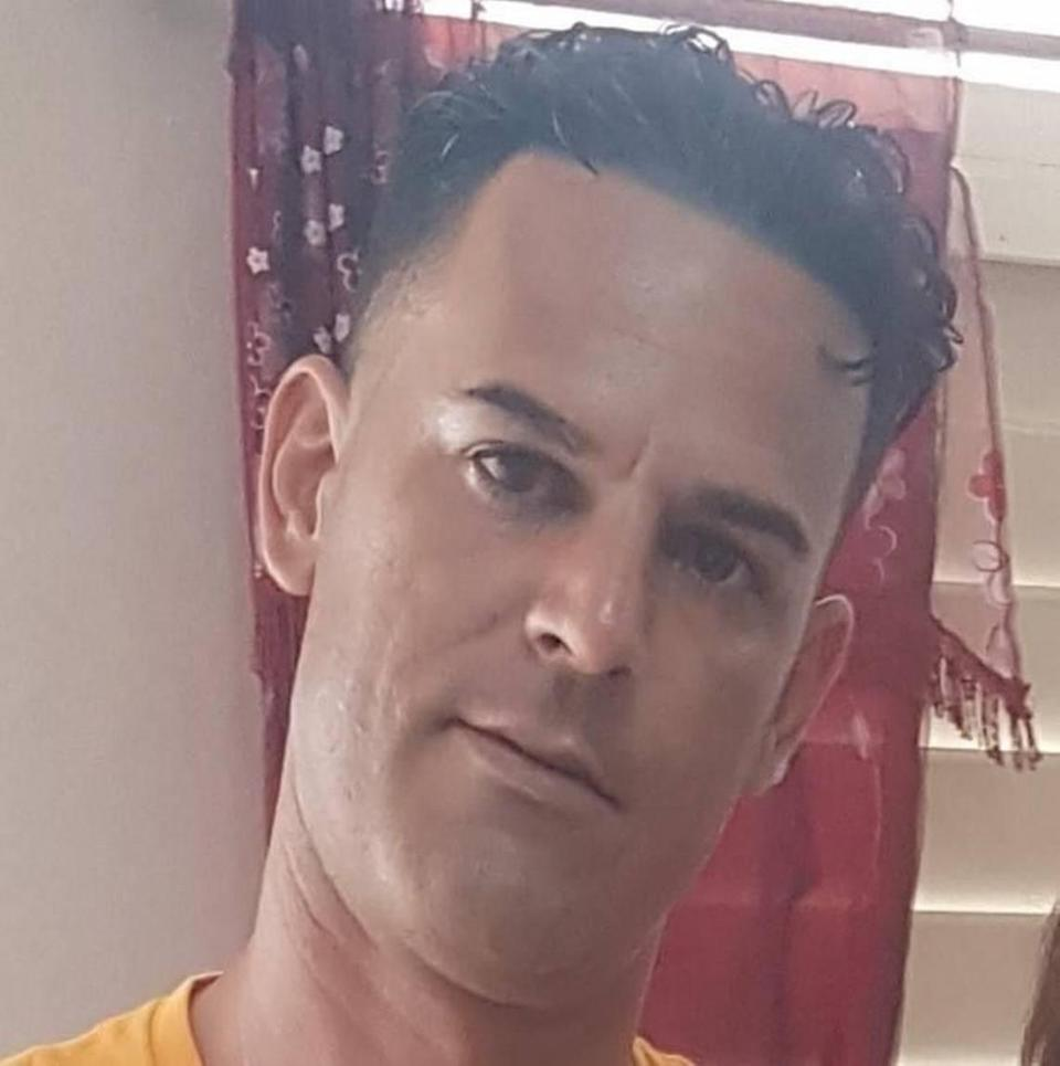 Cuban prosecutors asked the court to sentence Roberto Pérez Fonseca, 38, to 12 years in prison for his participation in an anti-government protest on July 11 in San José de las Lajas, a town near Havana.