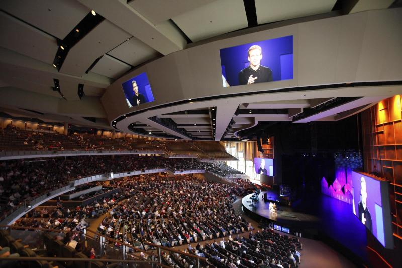 Willow Creek Community Church is an influential evangelical megachurch in South Barrington, Illinois. (John Gress / Reuters)