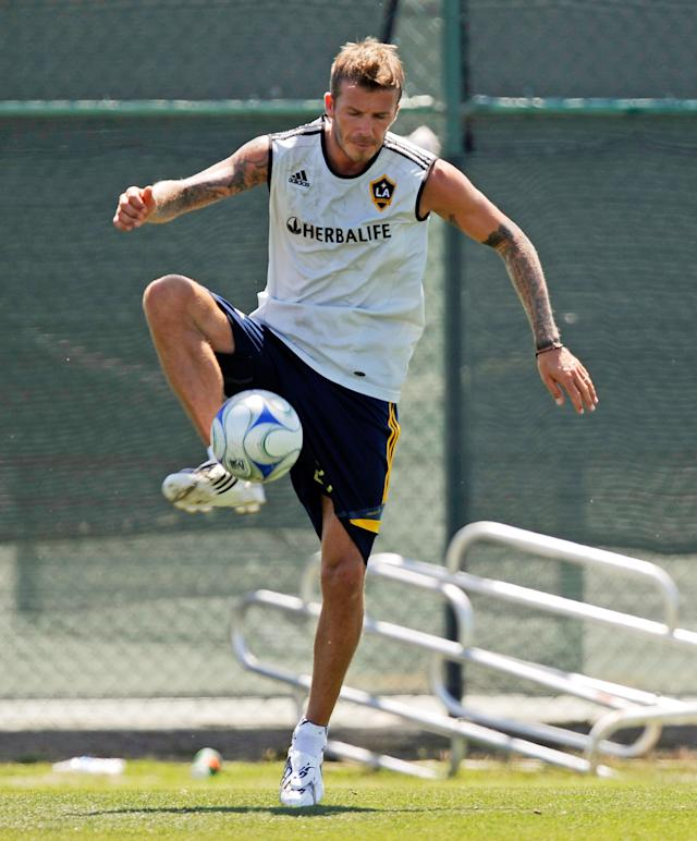 CARSON, CA - JULY 13: David Beckham practices with the Los Angeles Galaxy for the first time this year following the extension of his loan with Italy's AC Milan at The Home Depot Center on July 13, 2009 in Carson, California. Beckham missed the first 17 games of the Major League Soccer team's 30 games this season. (Photo by Kevork Djansezian/Getty Images)