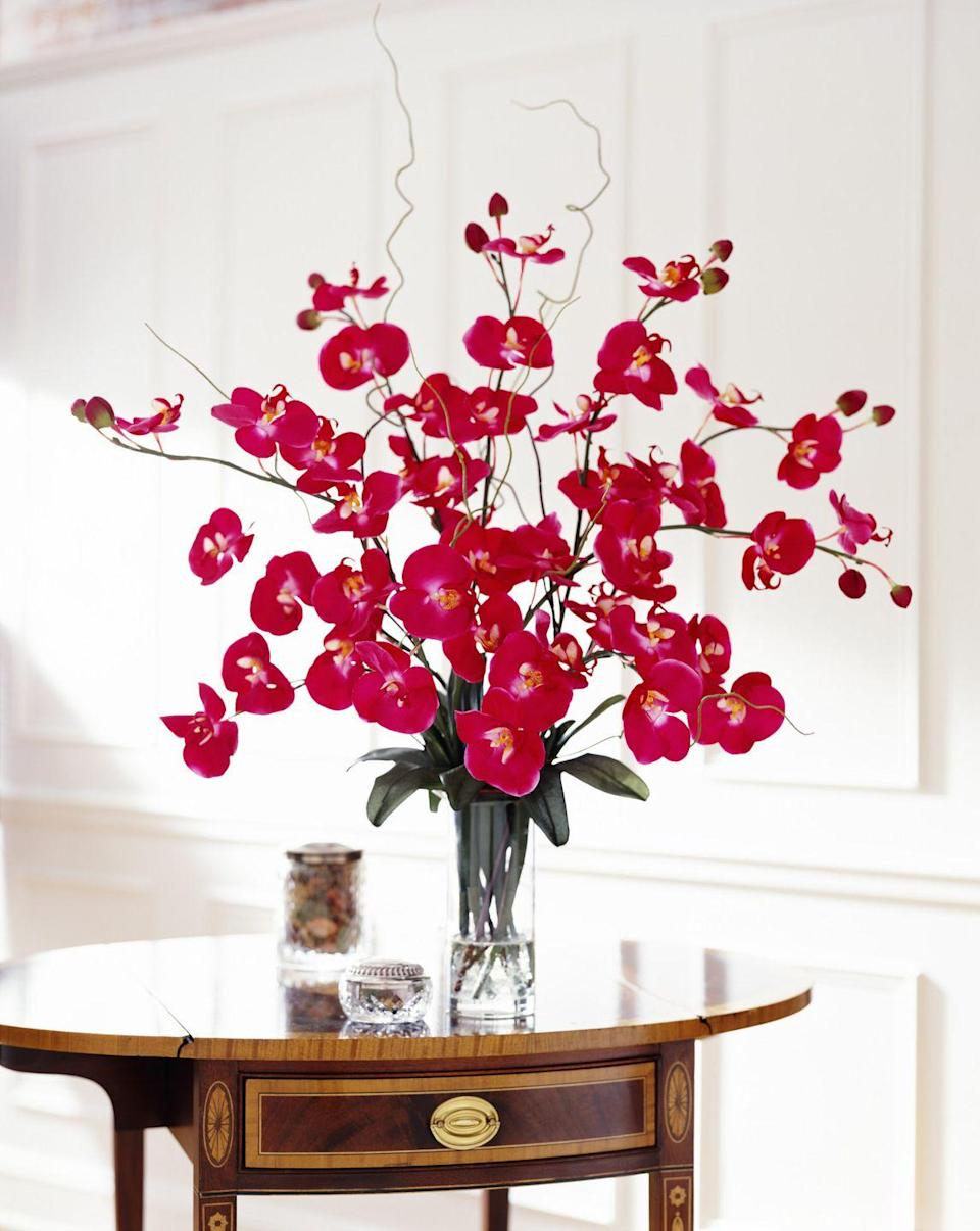"""<p>Many a fond pastime was formed in Michael's aisles, picking out silk flowers and branches when this 90s trend was in full force. But now, there's a much higher appreciation placed on <em>real </em>bouquet flowers—besides, they have so many <a href=""""https://www.elledecor.com/design-decorate/a8558/health-benefits-of-flowers/"""" rel=""""nofollow noopener"""" target=""""_blank"""" data-ylk=""""slk:health benefits"""" class=""""link rapid-noclick-resp"""">health benefits</a>! </p>"""