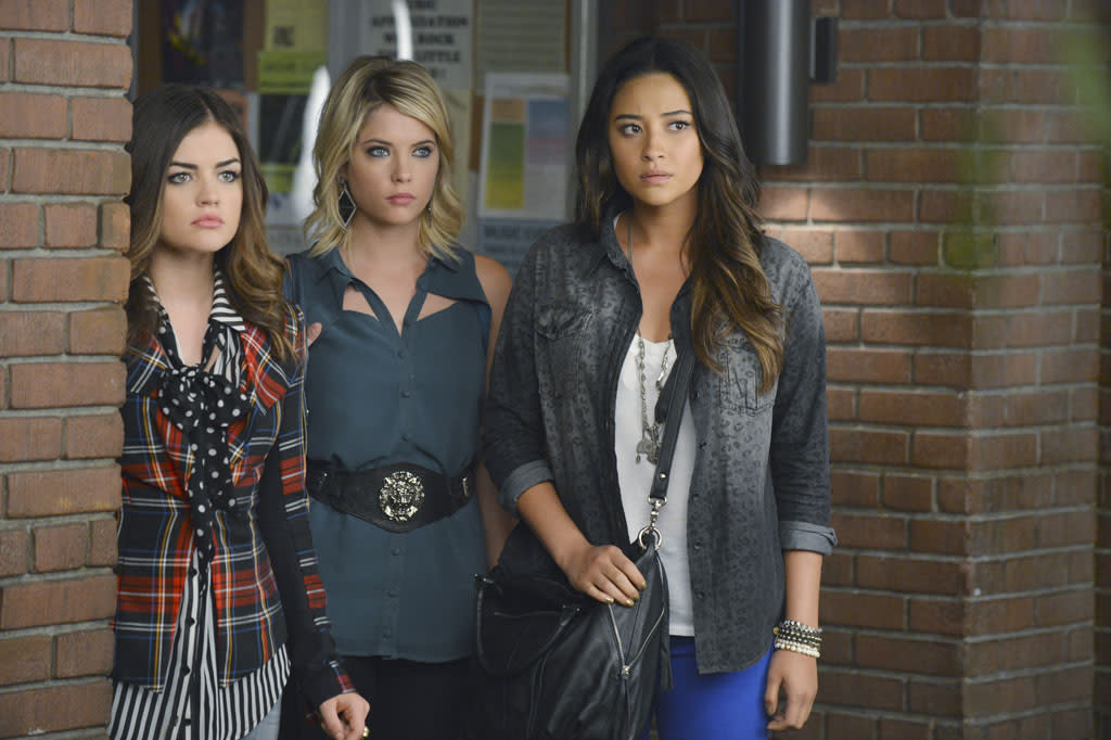 """What Becomes of the Broken-Hearted"" - Rash decisions are made when dealing with a wounded heart, in ""What Becomes of the Broken-Hearted?,"" an all new episode of ABC Family's hit original series ""Pretty Little Liars."""