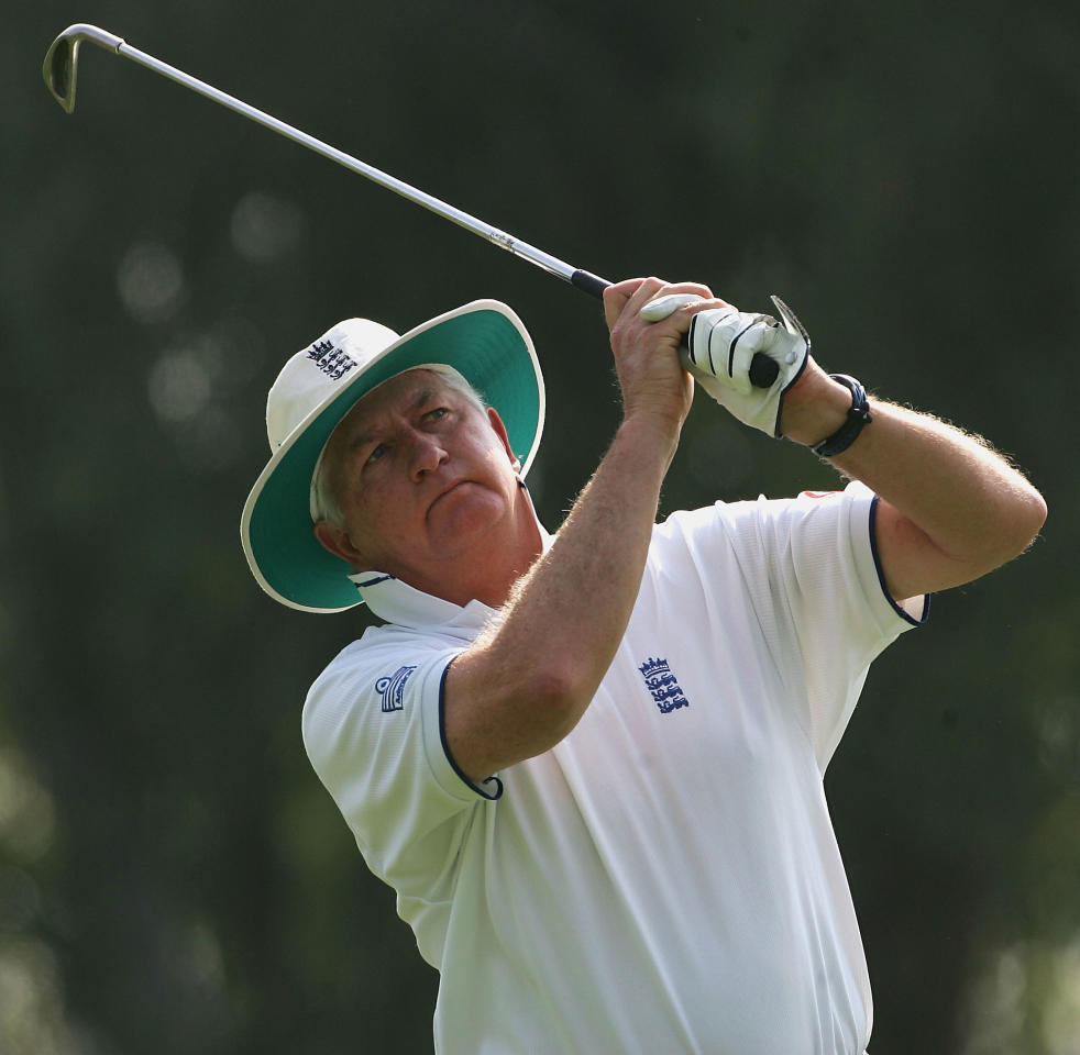 LAHORE, PAKISTAN - NOVEMBER 3: England cricket coach Duncan Fletcher plays in a Vodafone sponsored golf day held at The Royal Palm Golf Club during there winter tour on November 3, 2005 in Lahore, Pakistan.  (Photo by Julian Herbert/Getty Images)