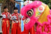 There are now 20 women in the Tu Anh Duong lion and dragon dance troupe in Vietnam's southern city of Can Tho