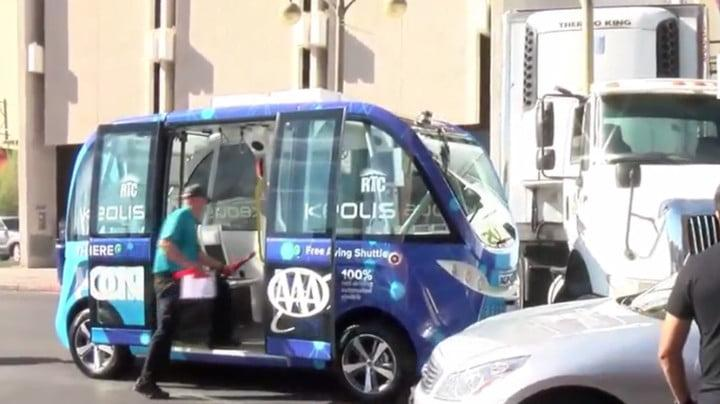 driverless shuttle crash las vegas