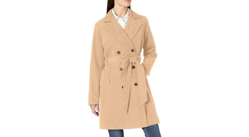 Amazon Essentials Women's Water-Resistant Trench Coat (Photo: Amazon)