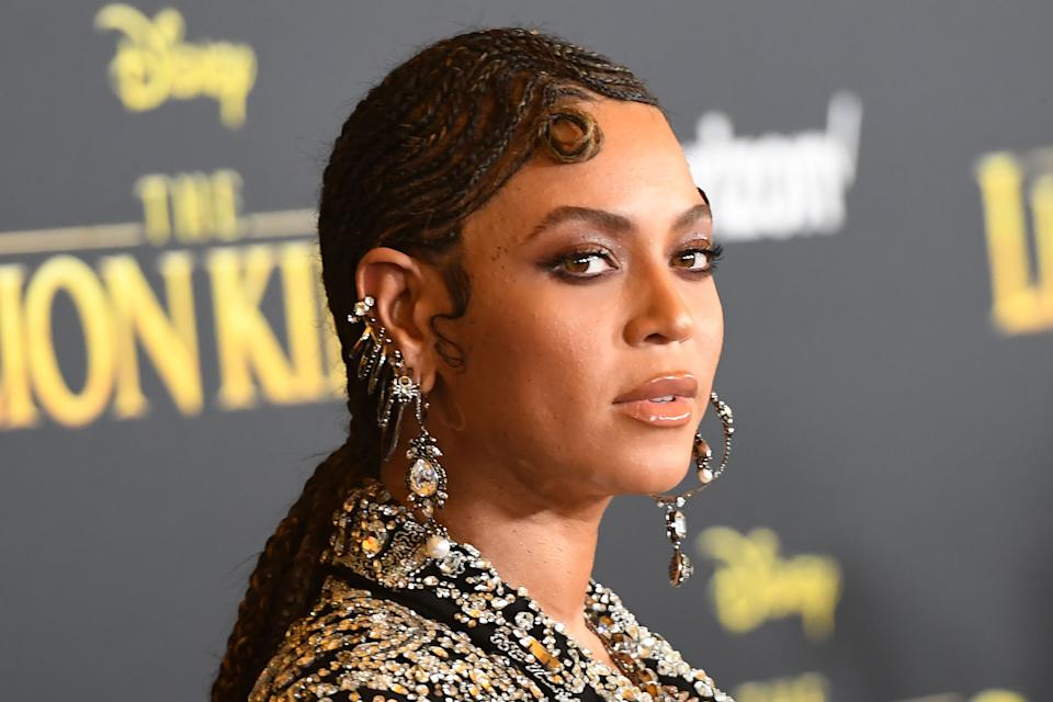 """US singer/songwriter Beyoncé arrives for the world premiere of Disney's """"The Lion King"""" at the Dolby theatre on July 9, 2019 in Hollywood. (Photo by Robyn Beck / AFP)        (Photo credit should read ROBYN BECK/AFP via Getty Images)"""