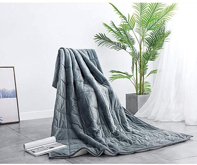 Syrinx Plush Weighted Blanket (Photo: Amazon)