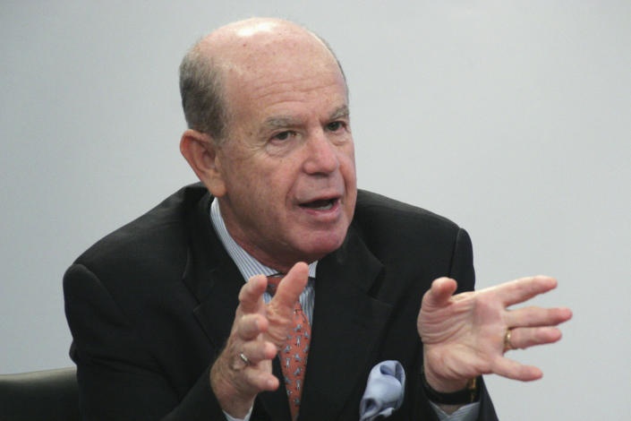 Ed Altman, Professor at New York University's Stern School of Business, speaks at the Reuters Restructuring Summit in New York September 23, 2008. REUTERS/Erin Siegal (UNITED STATES)