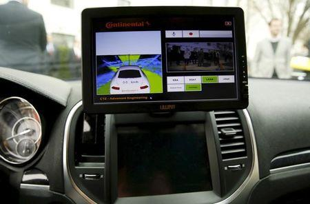 File Photo: The computer screen in an autonomous prototype Continental Chrysler 300C sedan is seen during an event featuring numerous self-driving cars on Capitol Hill in Washington, in this file photo taken March 15, 2016.  REUTERS/Gary Cameron/Files