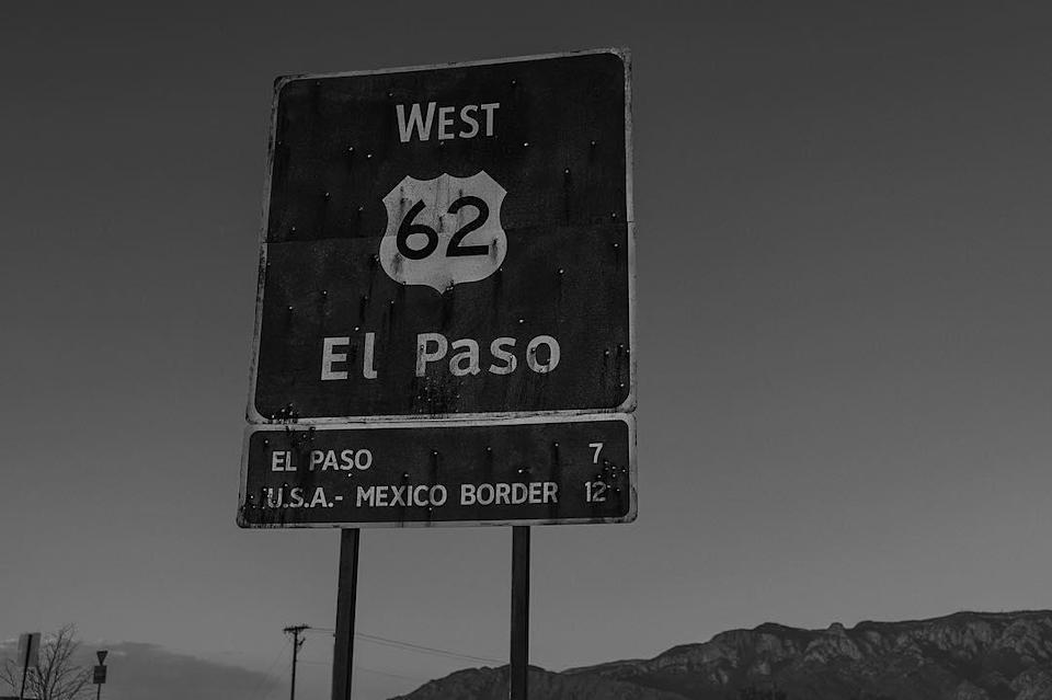 """<p>Last week's """"Prom"""" photo featured a sign indicating that at least some of """"Logan"""" would take place in El Paso, Texas — a notion now all but confirmed by this shot of a highway sign, captioned '62.' (Photo: <a rel=""""nofollow noopener"""" href=""""https://www.instagram.com/p/BLqtBHyjArq/"""" target=""""_blank"""" data-ylk=""""slk:wponx"""" class=""""link rapid-noclick-resp"""">wponx</a>/Instagram) </p>"""