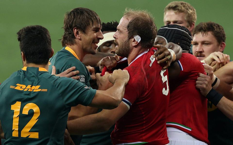 Eben Etzebeth of South Africa and British & Irish Lions captain Alun Wyn Jones confront each other during the 2nd Test between South Africa and the British & Irish Lions at FNB Stadium on July 31, 2021 in Johannesburg, South Africa. - GETTY IMAGES