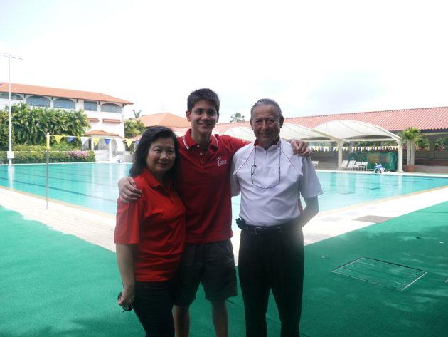 Joseph Schooling with his parents May and Colin in August 2012. (Yahoo Photo)