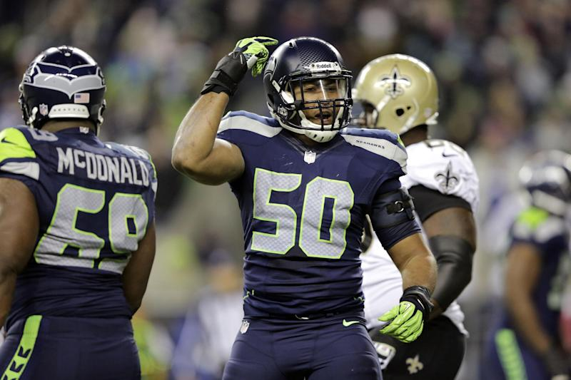 Seahawks linebackers display their versatility