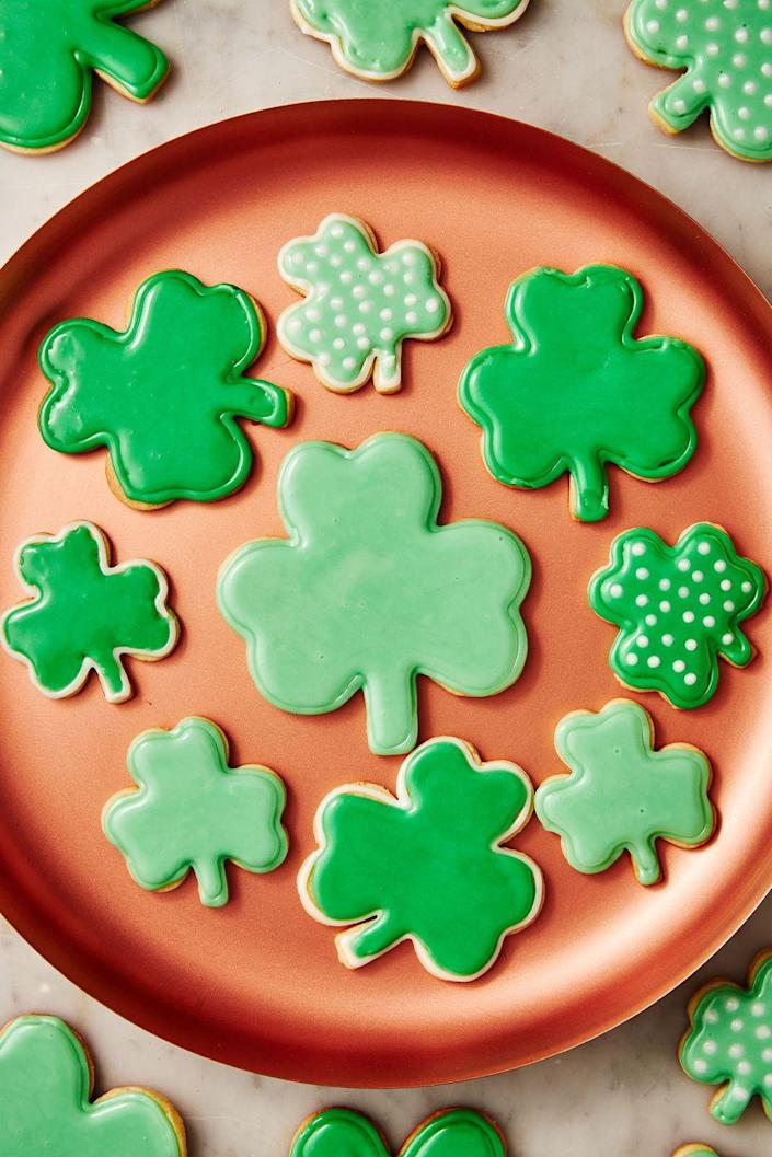 "<p>How <em>gorgeous</em> are these?</p><p>Get the recipe from <a href=""https://www.delish.com/cooking/recipe-ideas/a30877659/st-patricks-day-cookie-recipe/"" rel=""nofollow noopener"" target=""_blank"" data-ylk=""slk:Delish."" class=""link rapid-noclick-resp"">Delish. </a></p>"
