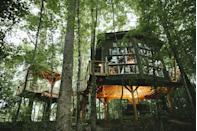 "<p>This Instagram-famous treehouse isn't exactly in the middle of a mountain range, but its close proximity to Charleston, romantic setting, and ability to make you feel in a world of your own is a fabulous way to unwind and reset with the person you love most—or find a creative escape to work on your next project.</p><p><a class=""link rapid-noclick-resp"" href=""https://go.redirectingat.com?id=74968X1596630&url=https%3A%2F%2Fwww.airbnb.com%2Frooms%2F8319626%3Fsource_impression_id%3Dp3_1608064637_cChpLUBtGgwoliq%252F&sref=https%3A%2F%2Fwww.veranda.com%2Ftravel%2Fg34976312%2Fcabin-vacations%2F"" rel=""nofollow noopener"" target=""_blank"" data-ylk=""slk:Discover"">Discover</a></p>"