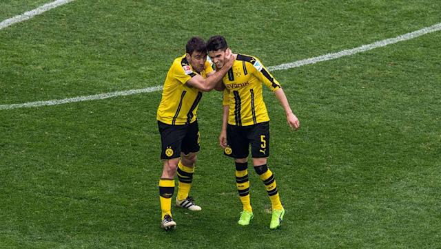 <p>Back three:<strong> Sokratis Papastathopoulos, Marc Bartra and Lukasz Piszczek</strong></p> <br><p>BVB manager Thomas Tuchel only used a back three on 15 occasions this season, but with just 20 goals conceded during that period it's enough for them to make the list. It's been an indifferent season for the Bundesliga, but beating Bayern in the DFB Pokal semi final will make up for their shoddy league displays.</p> <br><p>Average goals conceded per game: <strong>1.33</strong></p>