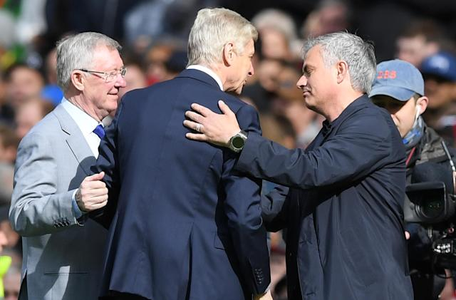 Sir Alex Ferguson, Arsene Wenger and Jose Mourinho share their moment before Arsenal's last game at Manchester United under Wenger. (Getty)