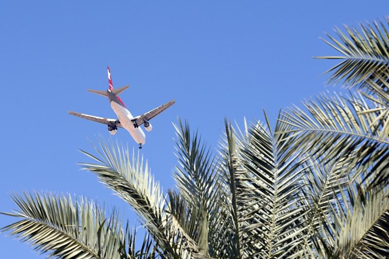 A Russian flight leaves the Egypt's Red Sea resort of Sharm El-Sheikh, on November 9, 2015 (AFP Photo/Mohamed el-Shahed)