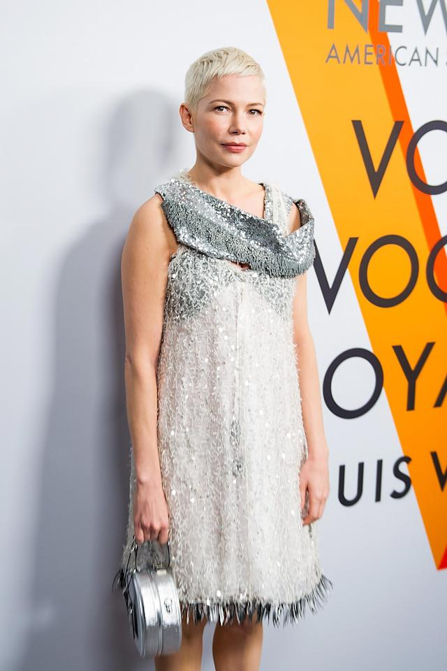 "Michelle Williams at the Louis Vuitton ""Volez, Voguez, Voyagez"" exhibit in New York City. (Photo: Getty Images)"
