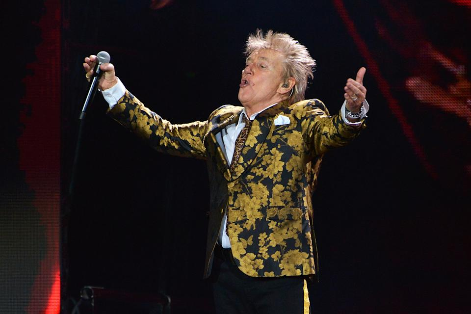 LONDON, ENGLAND - DECEMBER 17: (EDITORIAL USE ONLY)  Sir Rod Stewart performs live on stage during his 'Blood Red Roses' tour at The O2 Arena on December 17, 2019 in London, England. (Photo by Jim Dyson/Getty Images)