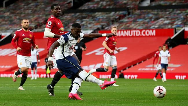 Man U lets in 6, Liverpool concedes 7 in incredible EPL day
